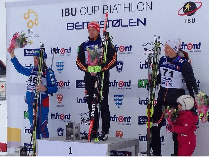 Florian Graf am Biathlon-Siegerpodest